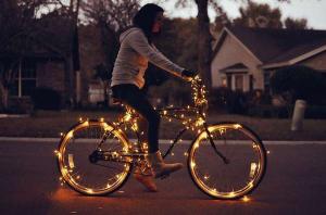 Balade Nocturne à Vélo. Osez le vélo la nuit @ Place de la Brèche